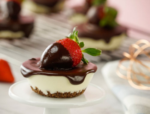 Receta de mini cheesecakes cubiertos con chocolate