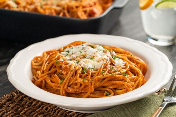 Receta de espagueti rojo en refractario