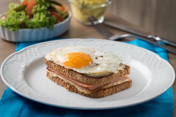Receta de sándwich croque madame